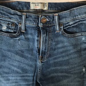 ABERCROMBIE AND FITCH BOYS JEANS